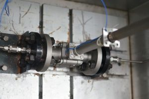 305C cryogenic valve under test in cold box